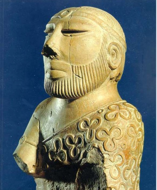 Indus Priest/King Statue | 17.5 cm tall sculpture found at Mohenjo-Daro. The dignified appearance and headband and cloak of this man suggest that he was an important political or religious leader in the city. | Author: Mamoon Mengal | Source: Wikimedia Commons | License: CC BY-SA 1.0