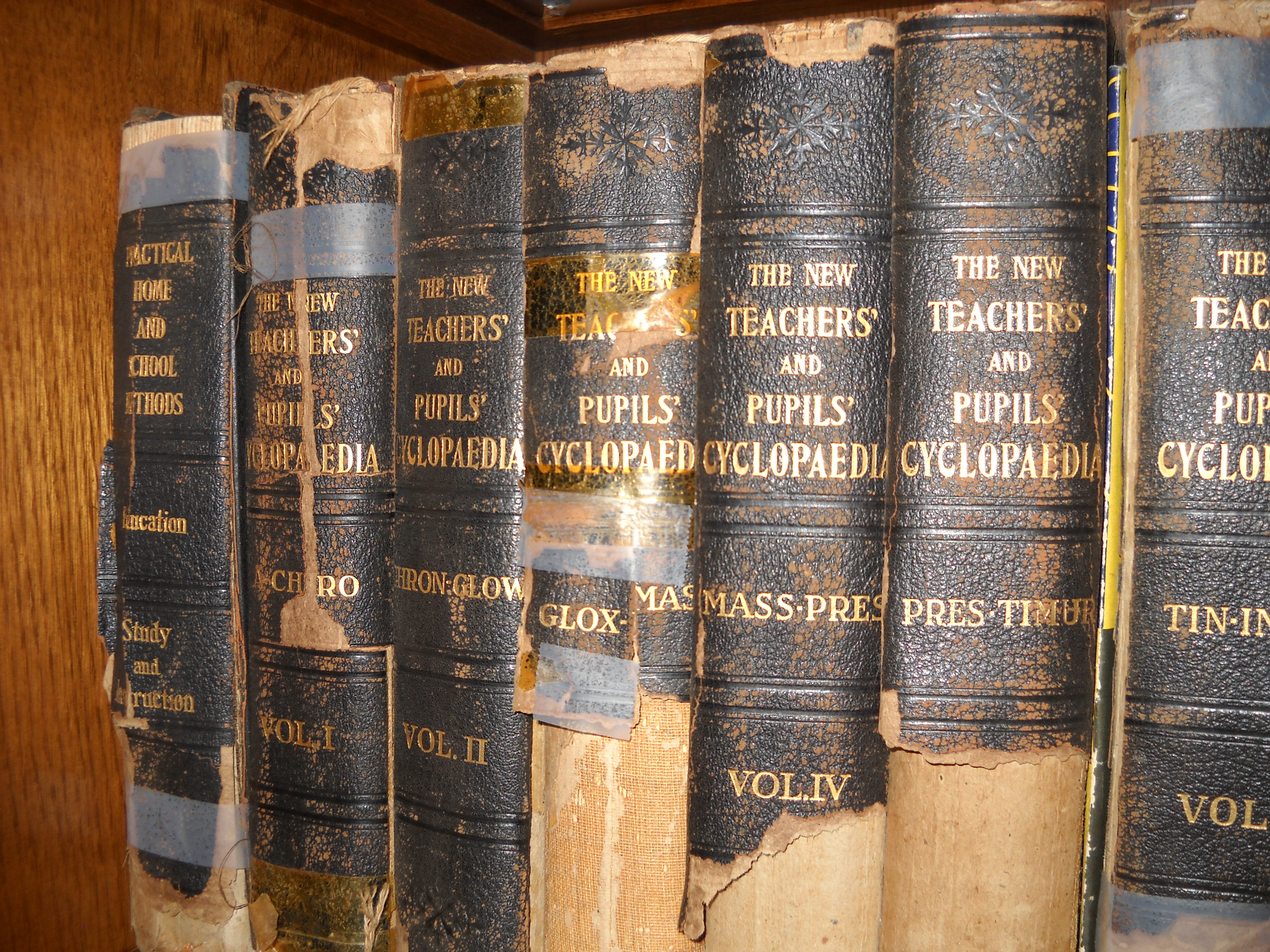 Books set of the New Teachers and Pupils Cyclopaedia 1916 produced in Iowa