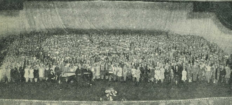 School document- Charles Fullerton  4000 plus 8th grade student choir