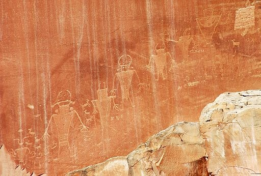 Southern San Rafael Fremont Indian petroglyphs (~400 to ~1350 A.D.) (Capitol Reef National Park, southern Utah, USA). By James St. John [CC BY 2.0 (http://creativecommons.org/licenses/by/2.0)], via Wikimedia Commons.